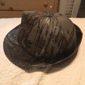 Men's Real Tree hat size Small